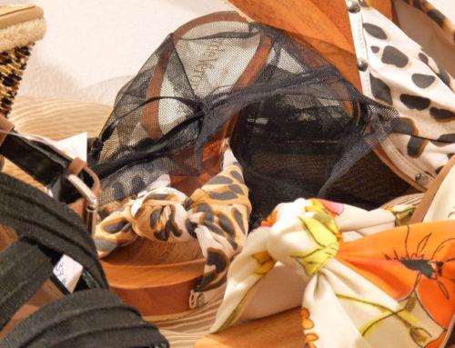 Zoccolo in legno con sacchettino in rete