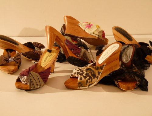Wooden clogs with customer's fabric
